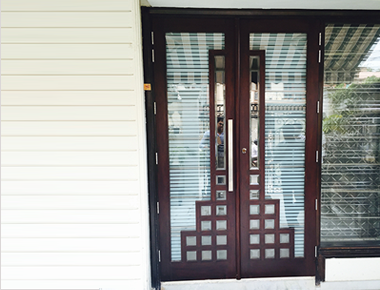 Glass Doors manufacturer